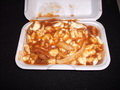 Poutine extra fromage extra sauce (moyenne) - Restaurant les Voltigeurs