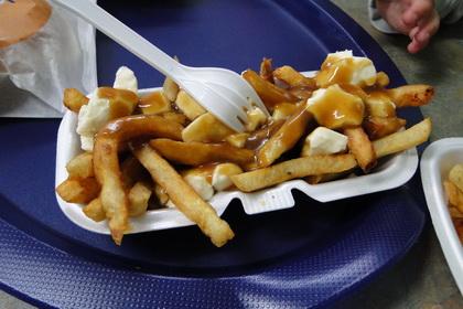 Poutine sauce brune - Casse-Croûte du Sergent (Lévis Saint-Romuald) - MaPoutine.ca