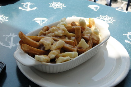 Poutine - Café Riviera (Québec) - MaPoutine.ca