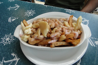 Poutine aux crevettes - Café Riviera (Québec) - MaPoutine.ca