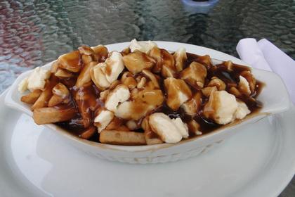 Poutine sauce brune - Resto Chez Sylvin (Lévis Saint-Nicolas) - MaPoutine.ca