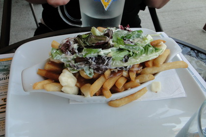 Poutine salade - Resto-Truc (Thetford Mines) - MaPoutine.ca