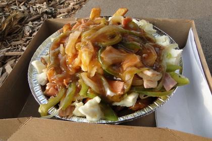 Poutine Western sauce ordinaire - Festival de la Poutine 2011 - Monsieur Poutine (Drummondville) - MaPoutine.ca