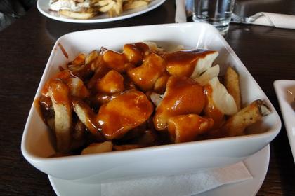 Poutine sauce BBQ (St-Paul) - Chez Victor (Québec) - MaPoutine.ca