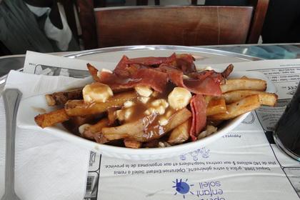Poutine au pepperoni classique - Le Snack Resto (Québec) - MaPoutine.ca