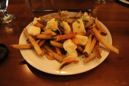 Poutine (Duck Gravy) - Capital City Gastropub (Albany) - MaPoutine.ca