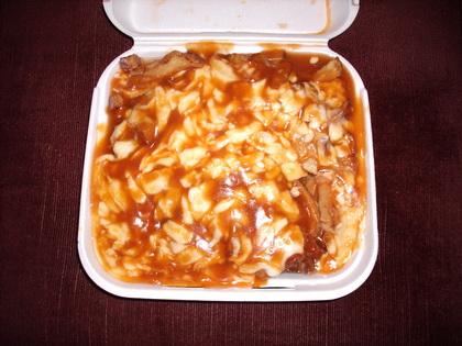 Poutine extra sauce - La Belle Province (Laval) - MaPoutine.ca