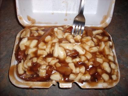 Poutine extra sauce - Frites et compagnie (Oka) - MaPoutine.ca