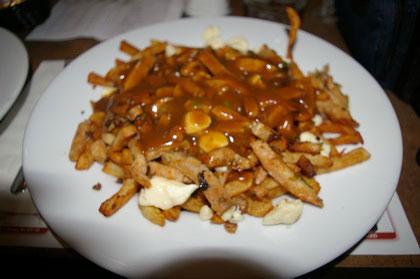 Poutine au poulet épicé - Chez Gérard (Saint-Georges) - MaPoutine.ca