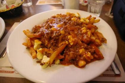 Poutine Chez Gérard sauce BBQ - Chez Gérard (Saint-Georges) - MaPoutine.ca