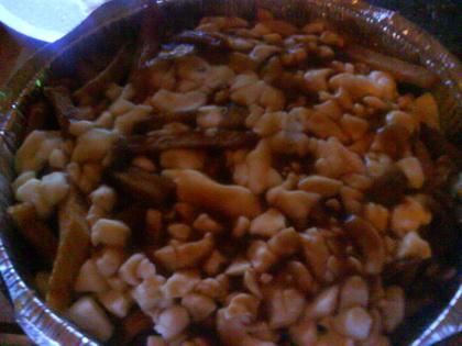 Poutine sauce brune (livrée) - Casse-Croûte Pierrot (Québec) - MaPoutine.ca