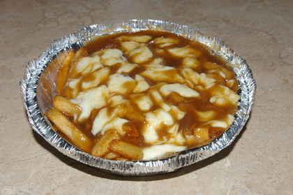 Poutine sauce brune - Restaurant Mustang Bill Pizza (Lévis Saint-Nicolas) - MaPoutine.ca