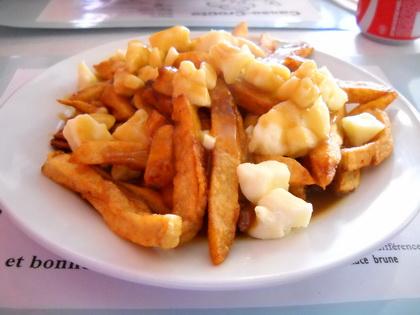 Poutine sauce brune - Casse-Croûte Chez Gaston (Québec) - MaPoutine.ca