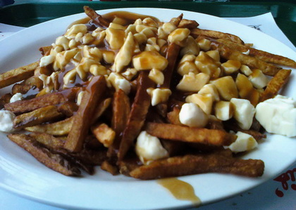 Poutine sauce brune - Louis Luncheonette (Sherbrooke) - MaPoutine.ca