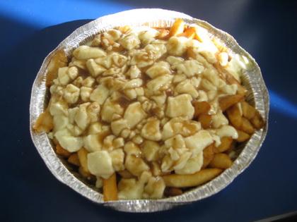 Poutine (livrée) - Restaurant Plaza (Thetford Mines) - MaPoutine.ca